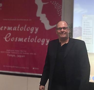 Dr. Ricardo Hoogstra